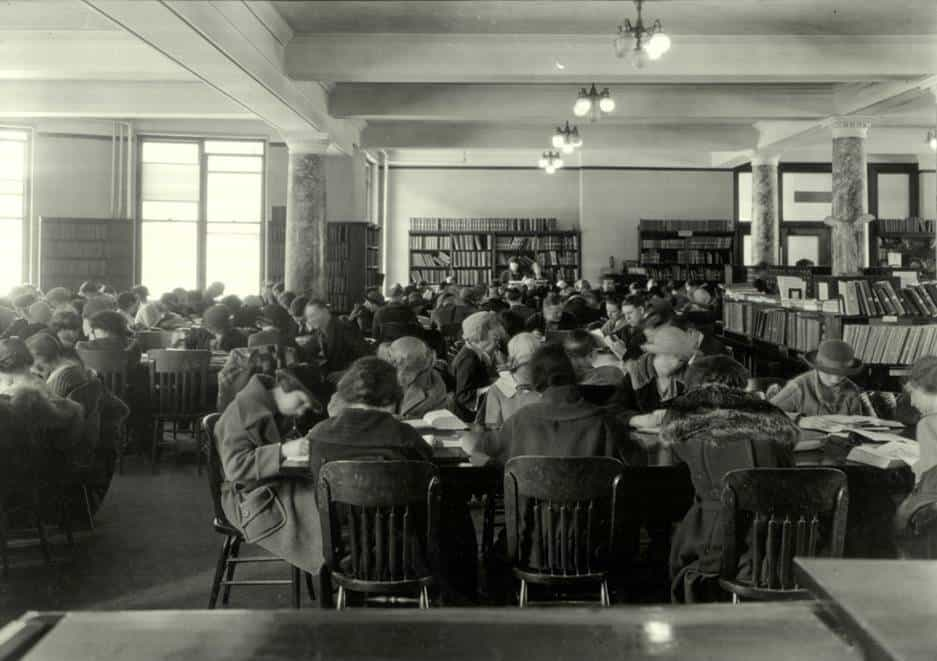 The Reading Room for the general collection on the first floor of the Natural Sciences Building.  Most of the general collection would remain in this building until the Main Library was constructed in 1951.