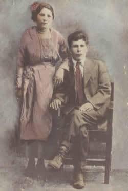 Esperanza and Cruz Martinez, 1920