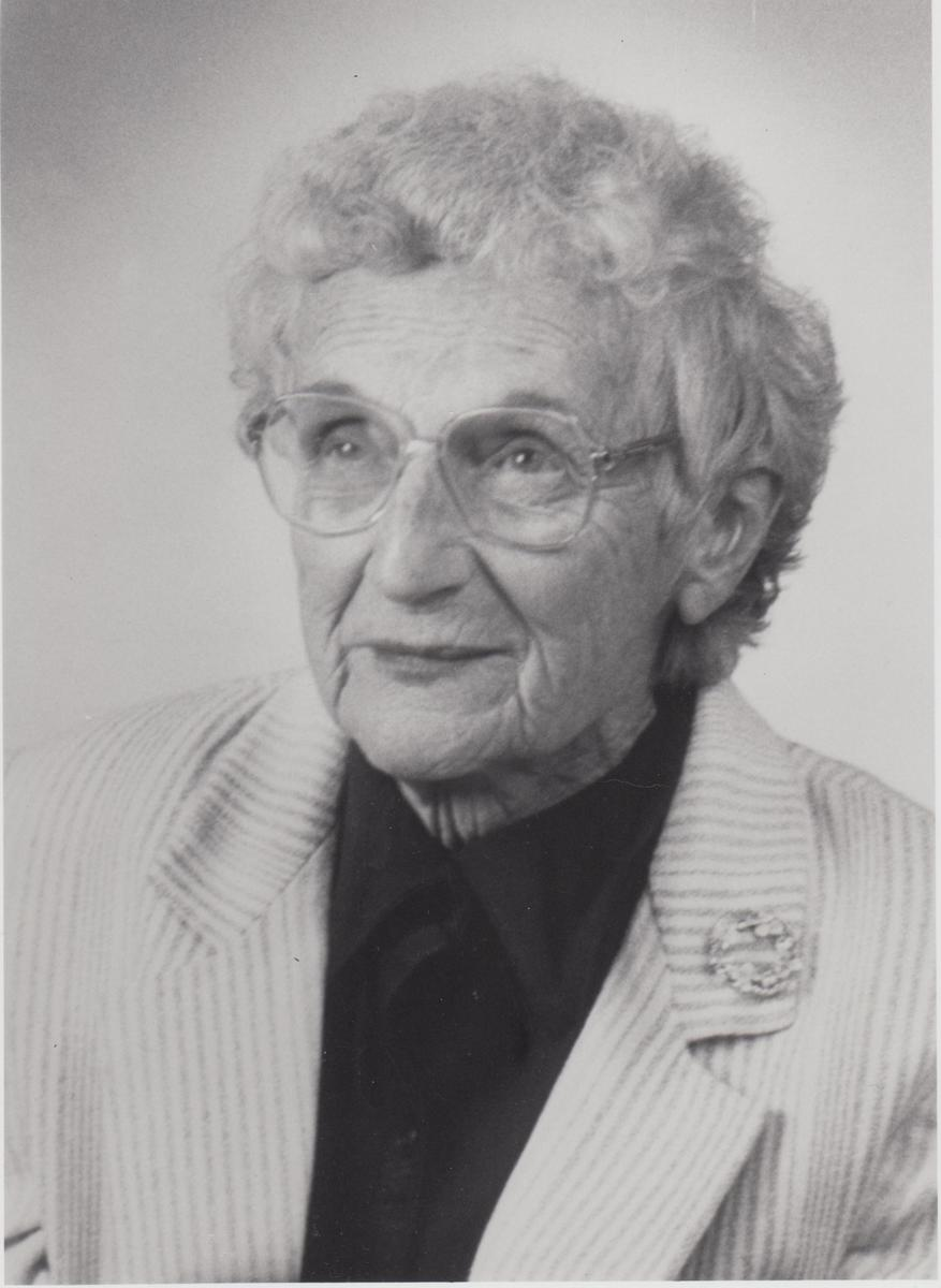 A reporter's photograph of Mildred, 1990