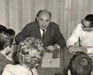 Gustav Bergmann with students